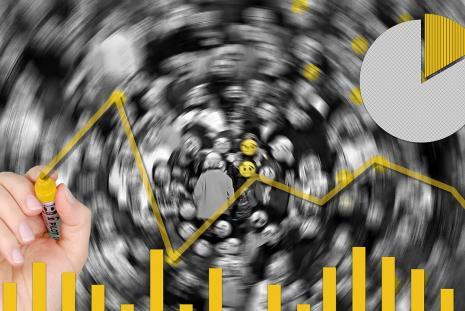 Data analysis by wynpnt@pixabay